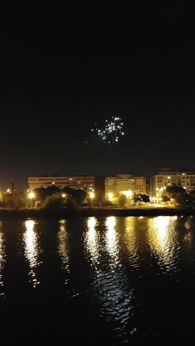 Fireworks over the rio Guadalquivir outside my apartment, just after 2019's arrival.